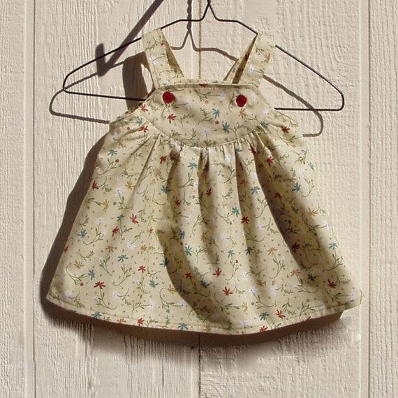 Vestidos de bebês importados